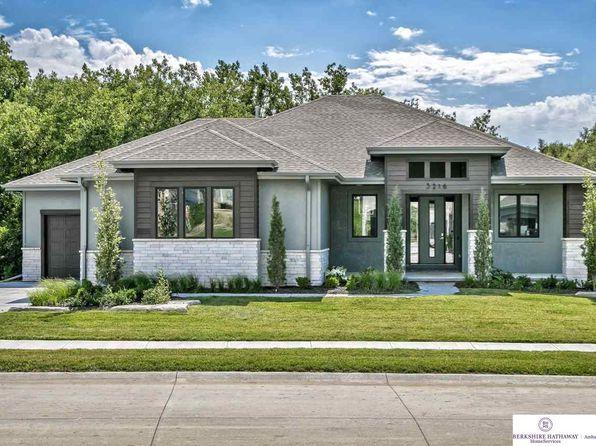 142 Oaks Ln, Omaha, NE 68137