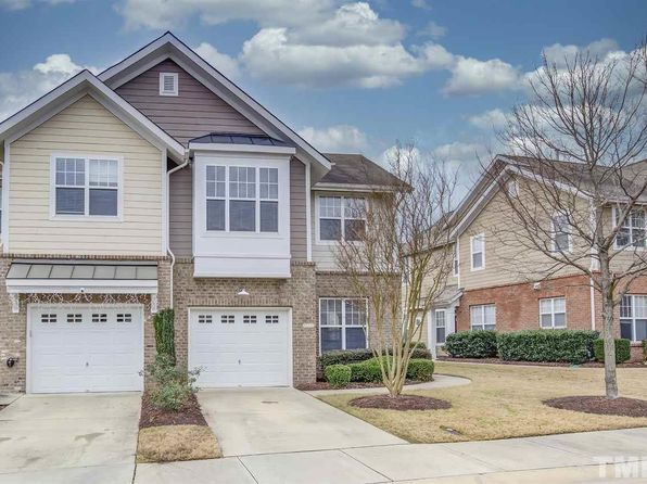 9135 Bunnwood Ln, Raleigh, NC 27617