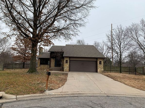 1420 N Caddy Ct, Wichita, KS 67212