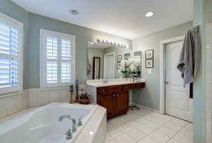 Budget Traditional Master Bathroom Zillow Digs