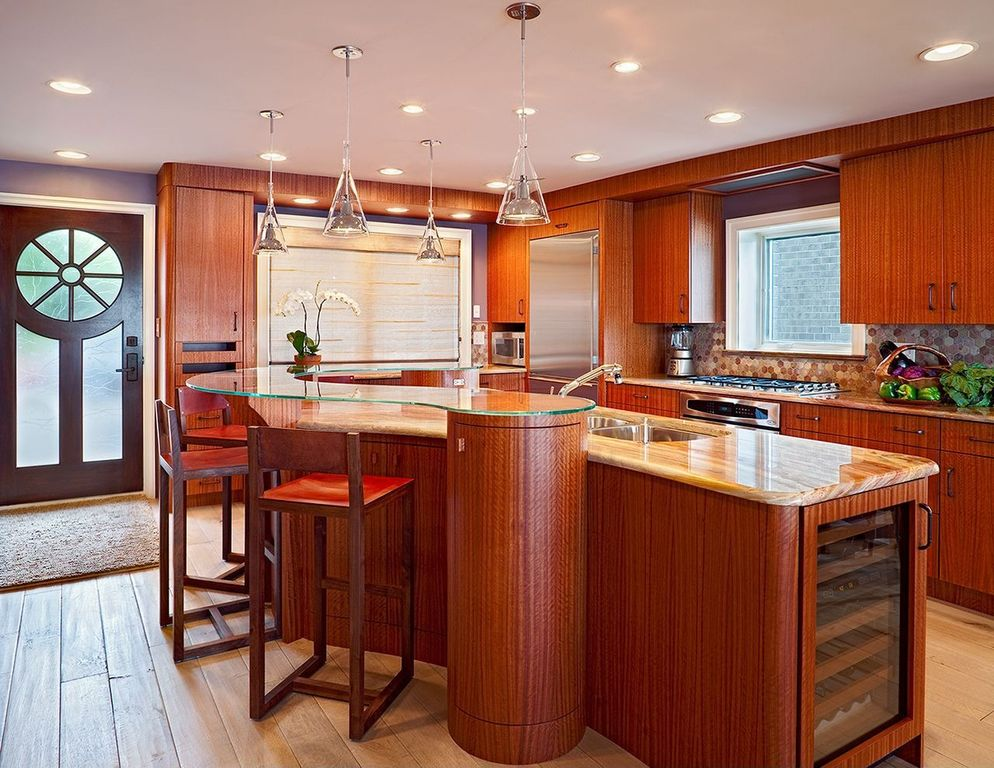 Modern kitchen with european cabinets by bruce palmer for Bruce kitchen cabinets
