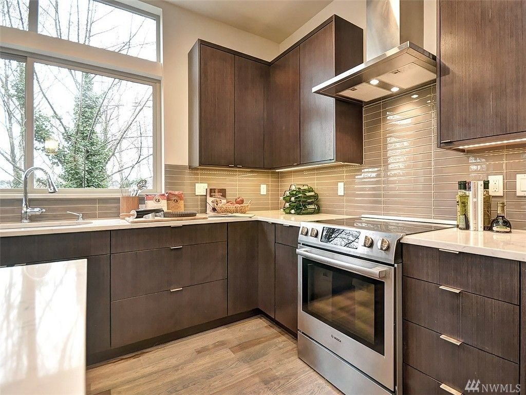 Contemporary Kitchen With Kitchen Island Ceramic Tile In