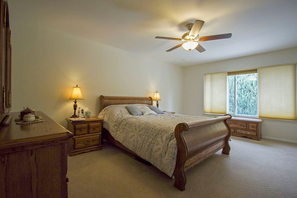 Traditional Master Bedroom In Agoura Hills Ca Zillow Digs