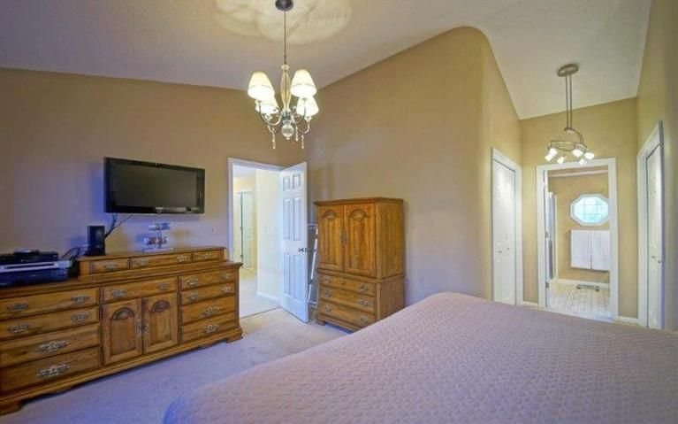 Traditional Master Bedroom In Ann Arbor Mi Zillow Digs