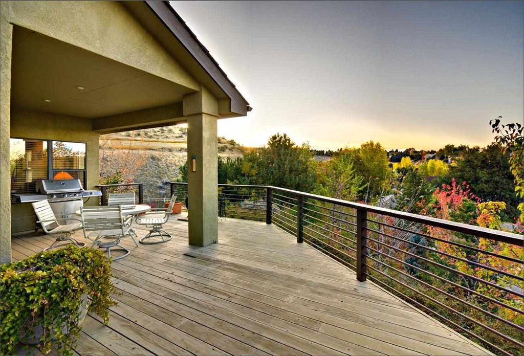 Deck With Outdoor Kitchen In Boise Id Zillow Digs