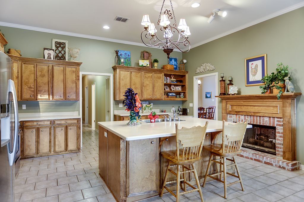 Traditional Kitchen In Shreveport La Zillow Digs
