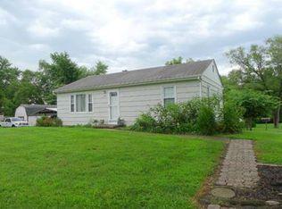 451 NE Meadowbrook Rd , Kansas City MO