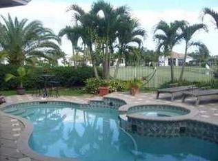 3842 W Lake Estates Dr , Davie FL