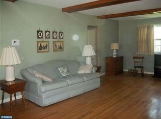 422 Taylor Ct , Beverly NJ