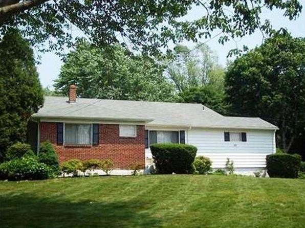 Enclosed porch sayreville real estate sayreville nj for Prestige homes new brunswick