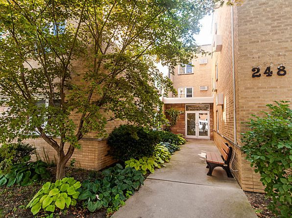 Oak Park Il Condos Apartments For Sale 131 Listings Zillow