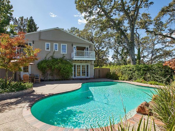Swimming pool lafayette real estate lafayette ca homes for Homes for sale in illinois with indoor pool