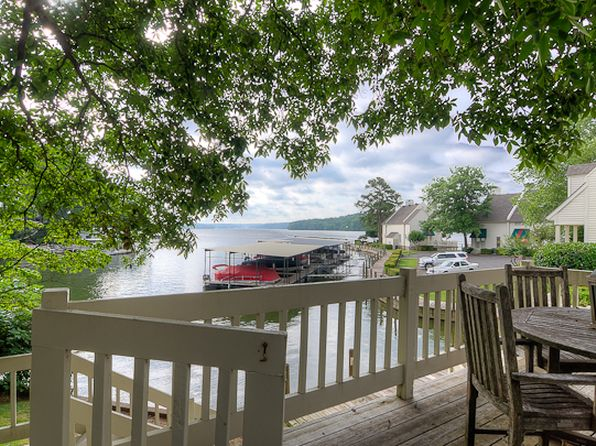 Hot springs ar waterfront homes for sale 53 homes zillow for 1332 park terrace