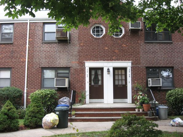 11357 real estate 11357 homes for sale zillow for Zillow new york office