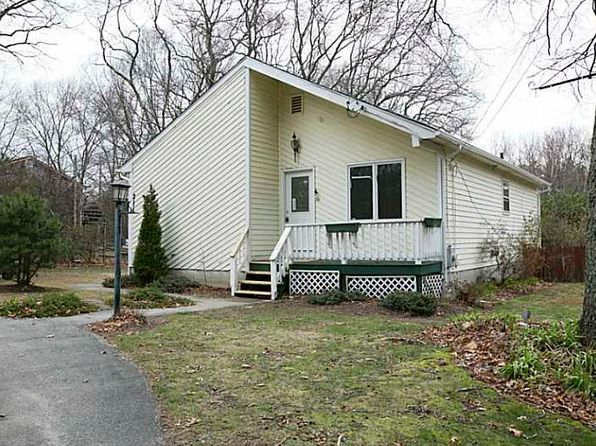 145 bishop hill rd johnston ri 02919 mls 1138685 zillow for 8 kitchener rd johnston ri