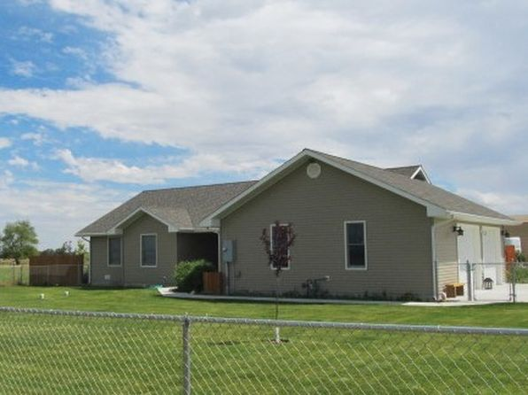 Horses property powell real estate powell wy homes for for Powell homes