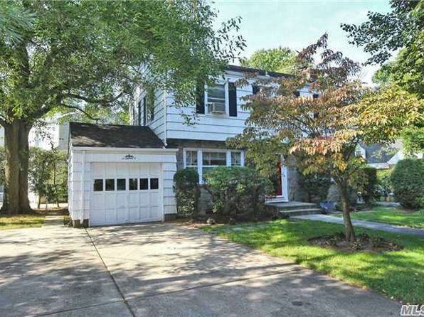 228 kilburn rd garden city ny 11530 zillow for Garden city pool 11530