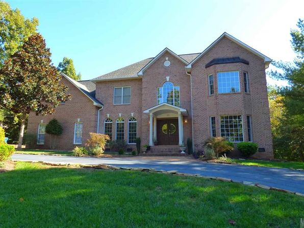 Lake hickory taylorsville taylorsville real estate for Home builders in hickory nc