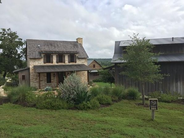 Hill country style fredericksburg real estate for Texas hill country houses for sale