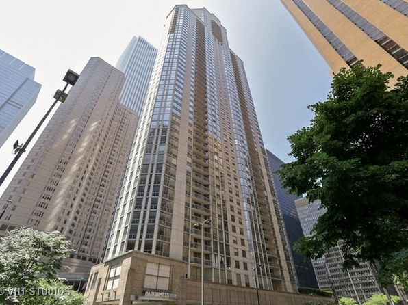 Affordable condo chicago real estate chicago il homes for 1355 n sandburg terrace chicago il