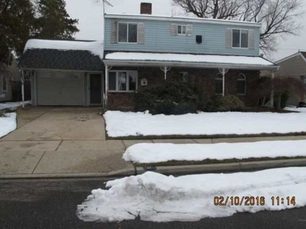 Expanded Ranch - Levittown Real Estate - Levittown NY Homes For Sale   Zillow