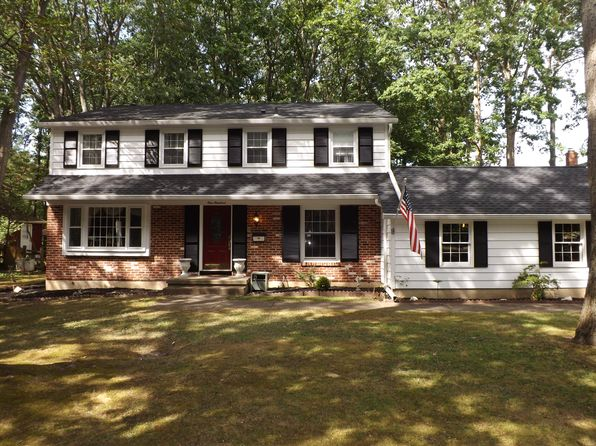 Well maintained marlton real estate marlton nj homes for 120 saxby terrace cherry hill nj