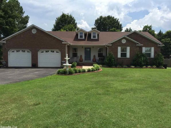 203 foxfire dr paragould ar 72450 zillow for Http zillow com home details