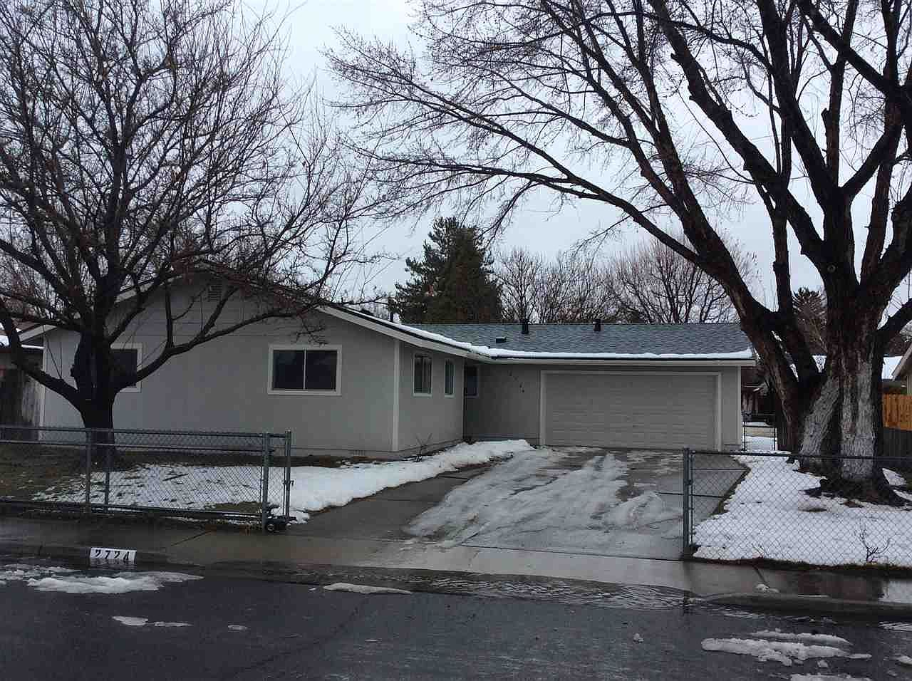 2724 Baker Dr Carson City Nv 89701 Zillow