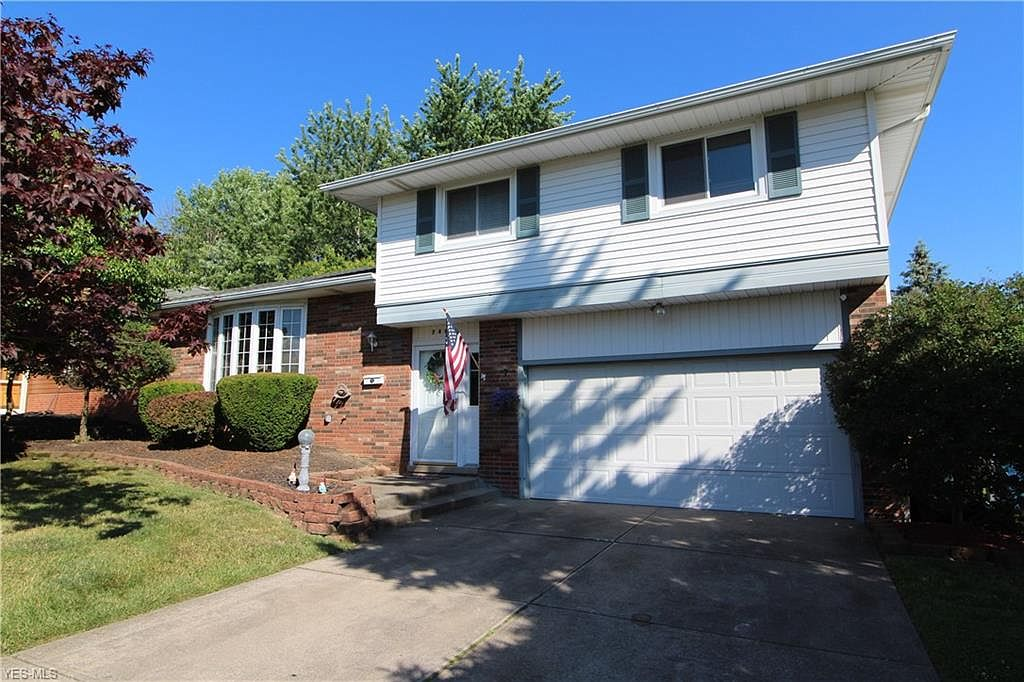 7442 Meadow Ln Parma Oh 44134 Zillow