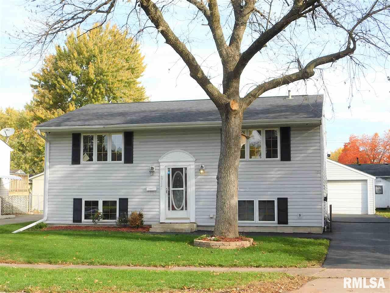 4911 49th Ave Moline Il 61265 Zillow