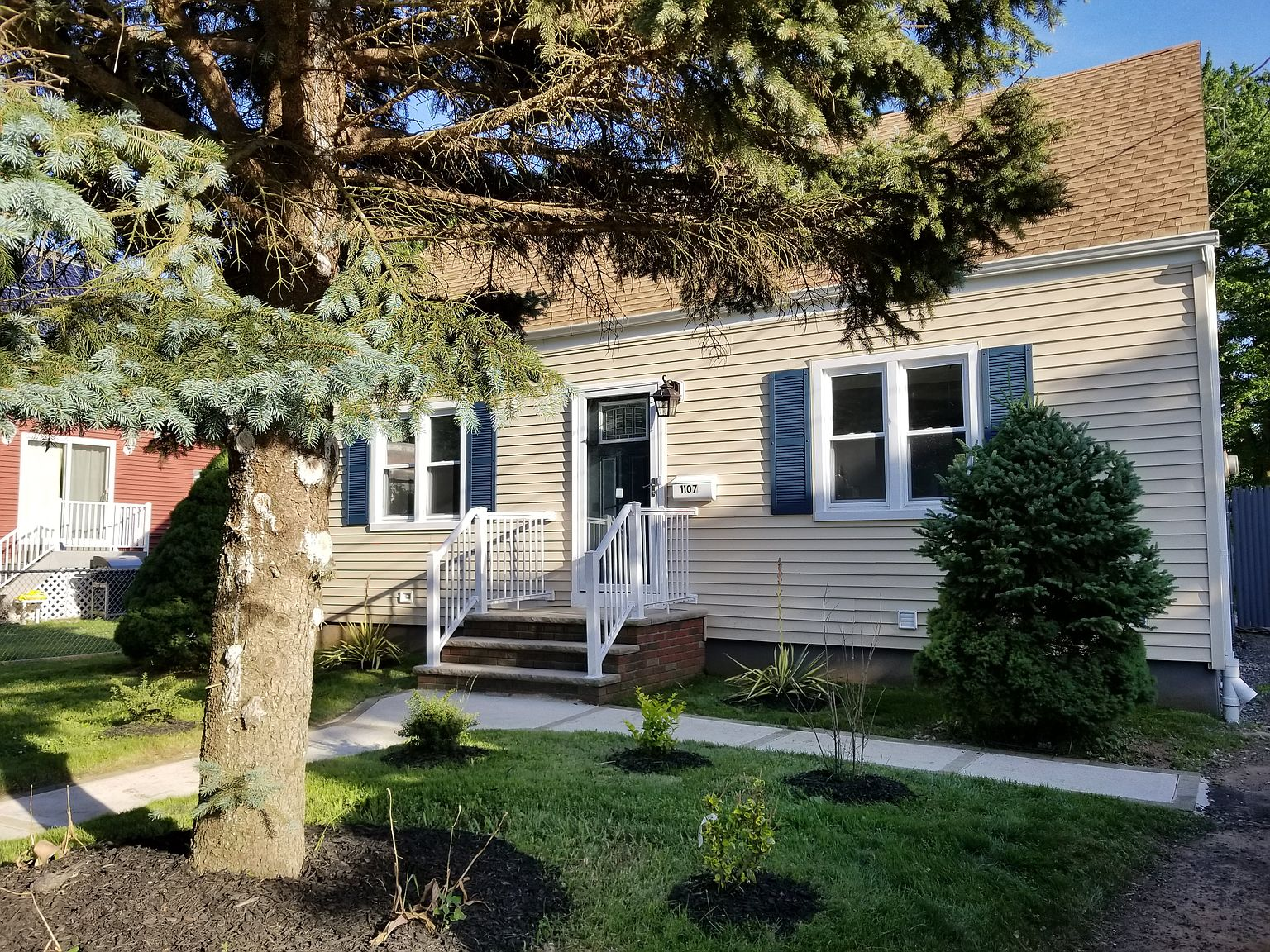 1107 Gress St Manville Nj 08835 Zillow