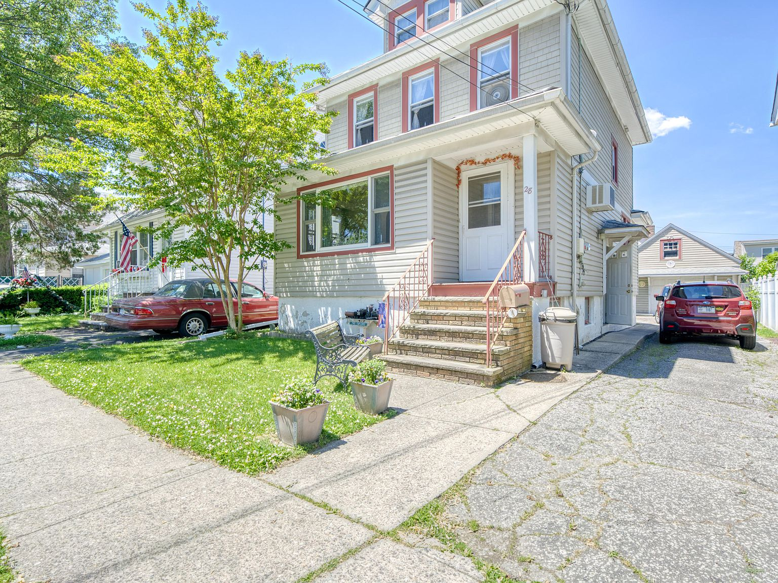 28 Neal Dow Ave Staten Island Ny 10314 Zillow
