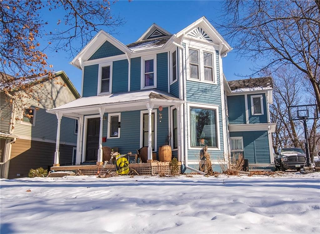 1311 9th St Des Moines Ia 50314 Zillow