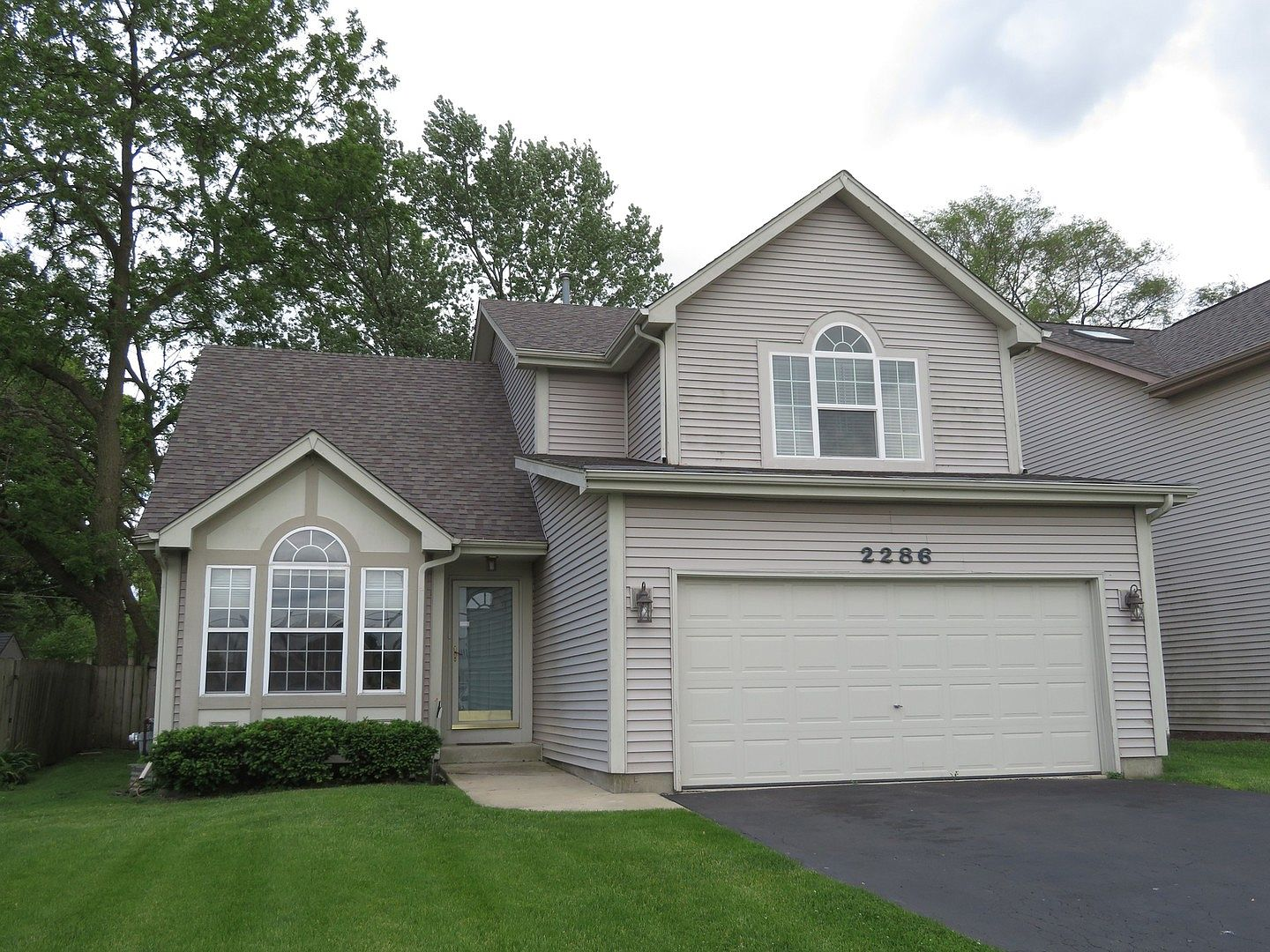 2286 Manchester Rd Wheaton Il 60187 Mls 10681582 Zillow
