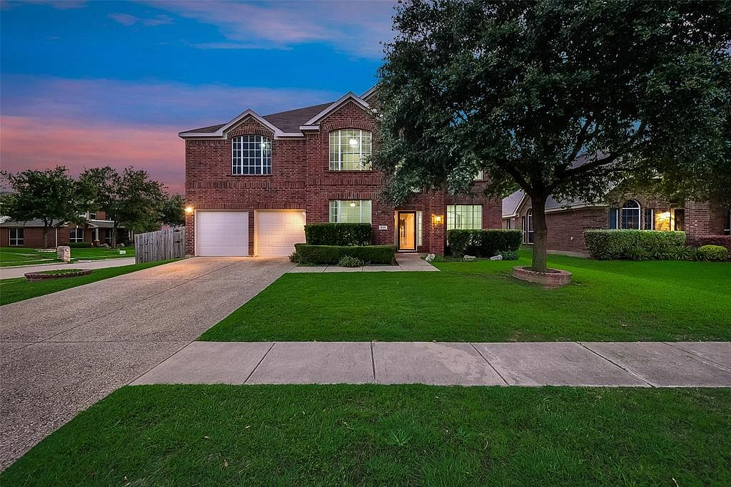 825 Mulberry Ln Desoto Tx 75115 Zillow