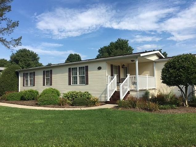 819 Goldfinch Dr Apollo Pa 15613 Zillow