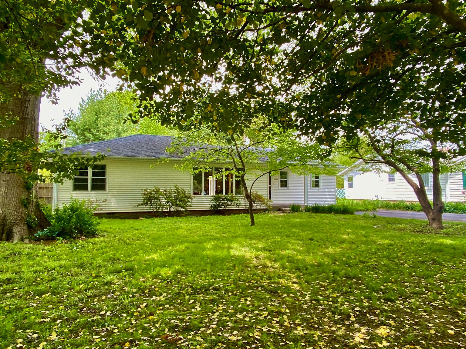 2043 S Windsor Dr Springfield Mo 65807 Zillow