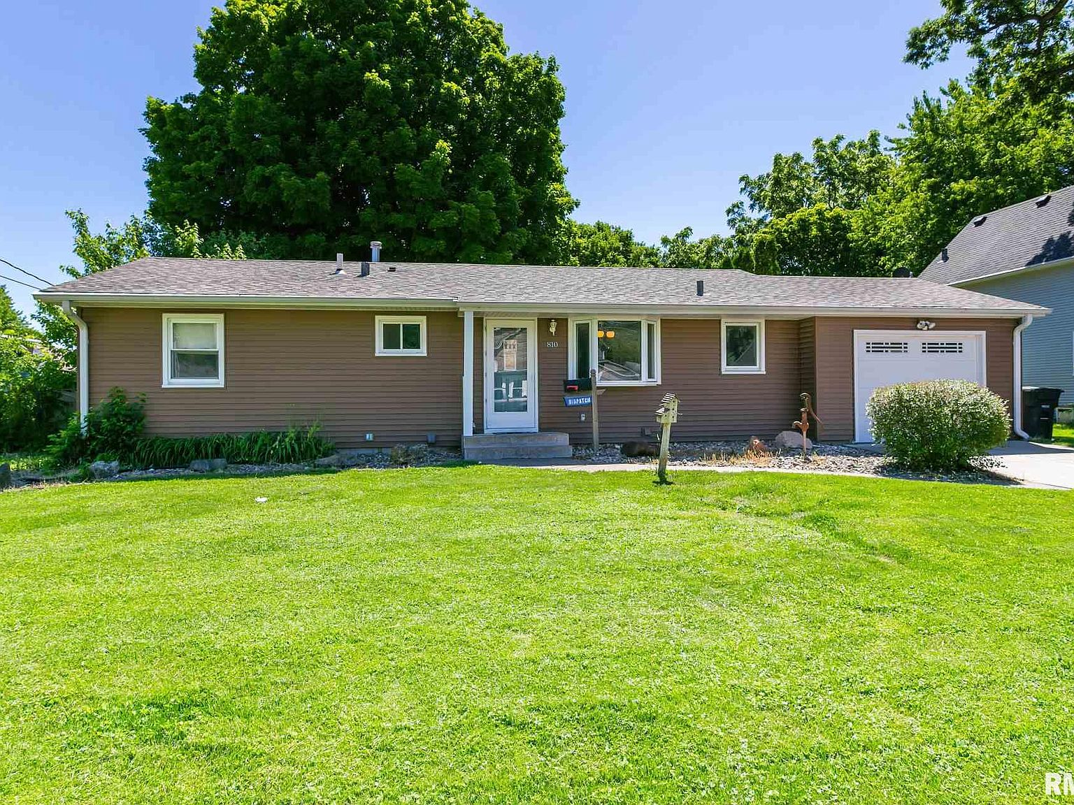 810 42nd St Moline Il 61265 Zillow