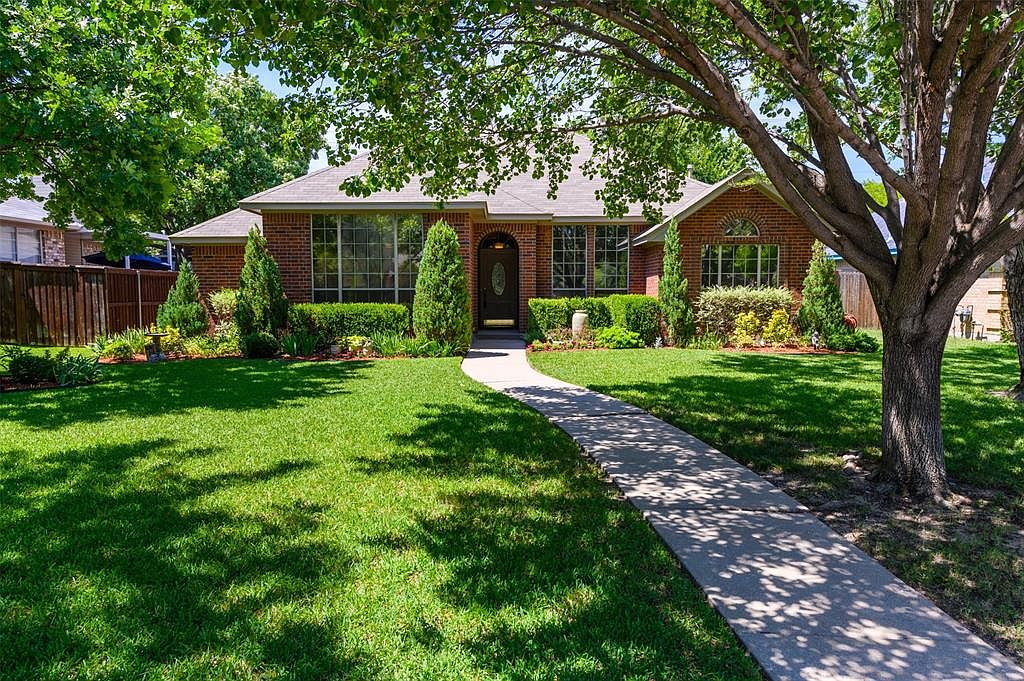 405 Meadow Ln Denton Tx 76207 Zillow