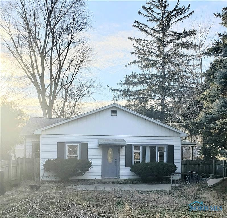 124 Biddle St Bowling Green Oh 43402 Zillow
