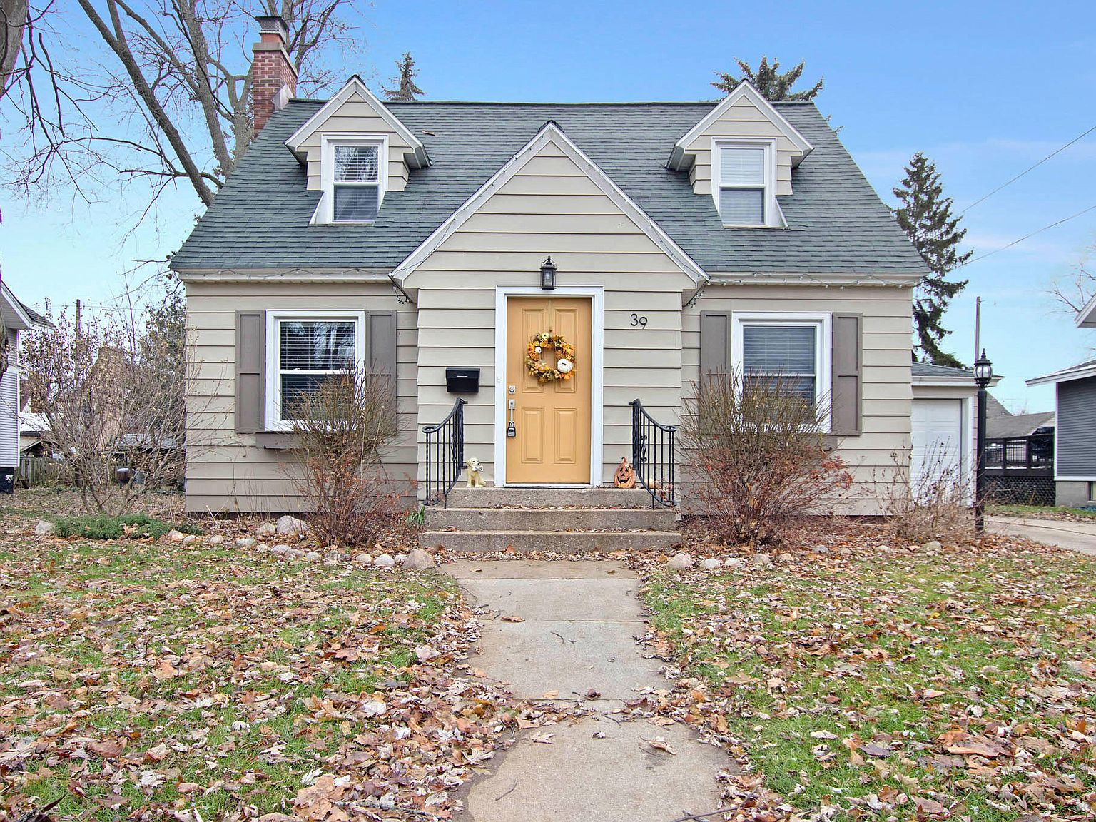 39 Lawrence Ave Zeeland Mi 49464 Zillow