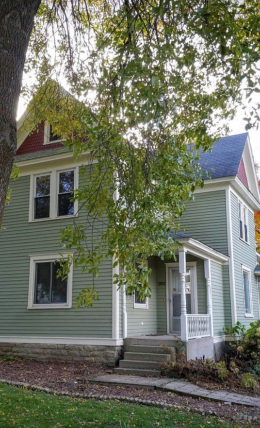 202 Union St Ripon Wi 54971 Zillow
