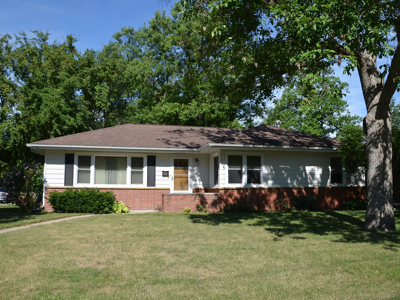 1903 Wilson Ave Ames Ia 50010 Zillow