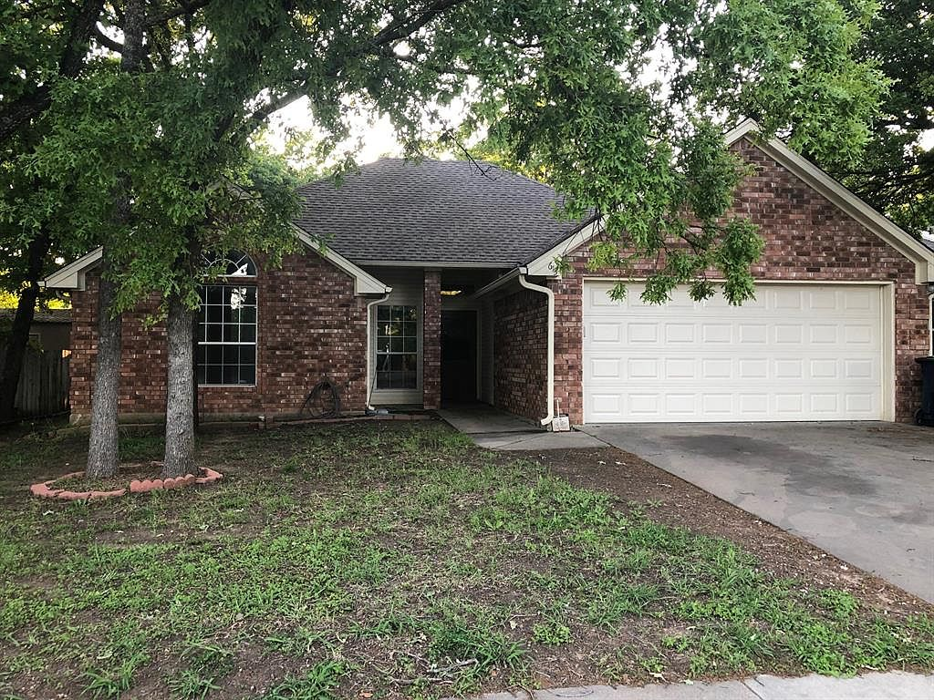 613 Mack Dr Denton Tx 76209 Zillow