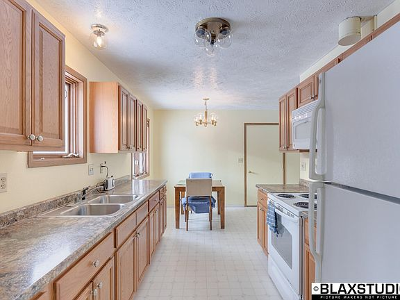 3171 Storey Dr, North Pole, AK 99705   MLS #19-2490   Zillow