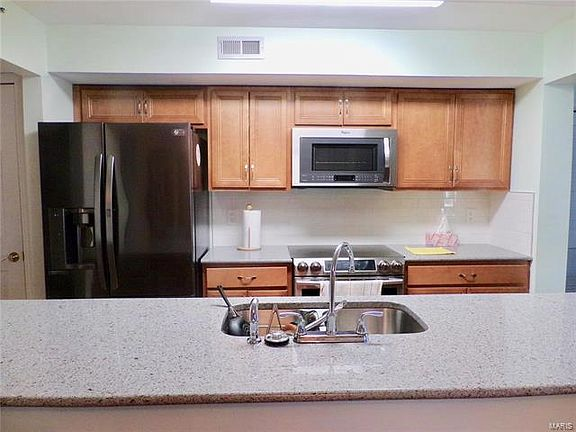 Whitehall Place Condominiums - Saint Louis, MO | Zillow