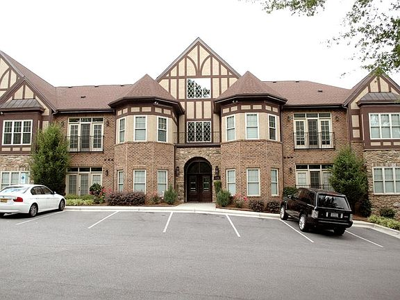 The Colony At Country Club Condominiums