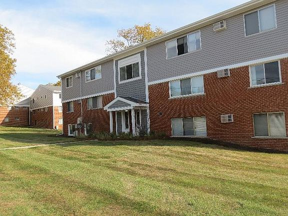 Forest Ridge Apartments in downtown Rochester Apartment ...