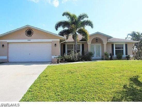 Astounding 1300 Sw 28Th Ter Cape Coral Fl 33914 Mls 219019566 Zillow Interior Design Ideas Inesswwsoteloinfo