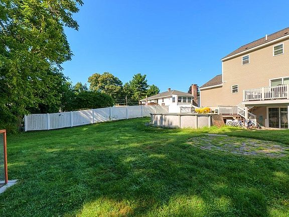 2B Woods Ave, Worcester, MA 01606 | Zillow